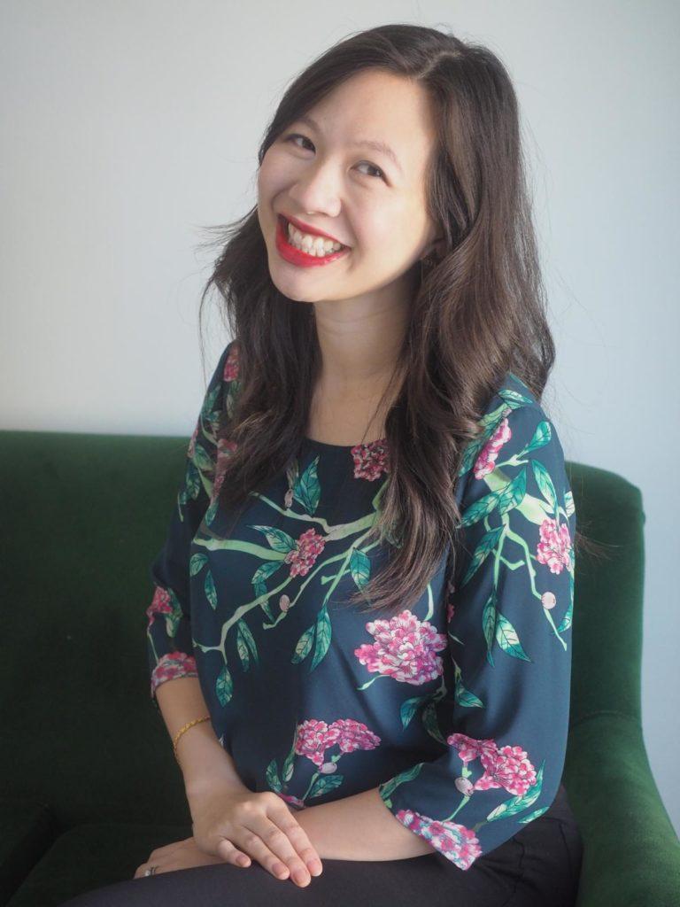 urheber4394jpg 768x1024 - Elizabeth Lim: Ein Kleid aus Seide und Sternen